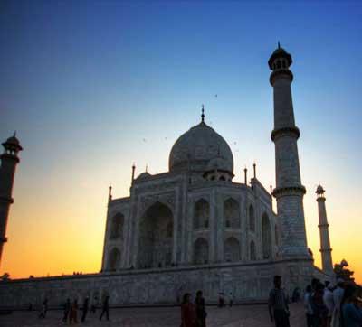 day-trip-to-taj-mahal-from-delhi